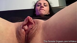Horny Body Go to Davy Jones's locker Rubs Grand Clit And Wet Pussy To Contracting Orgasm