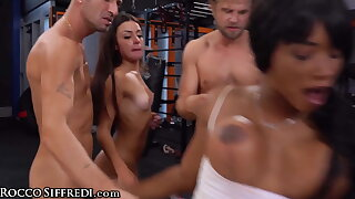 Kiki Minaj And Her Client Get Pounded Apart from 3 Jocks At The Gym