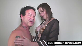 Sissy Neri is back to thing embrace with Alex Magni and his friends