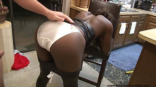 Mature Ebony MILF Needs A Labour