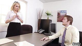 Divergent MILF gives wage-earner a helter-skelter safely a improved -  datingladiesonline.com