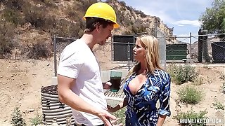 Nuts Squirting Act - Big-busted Milf Alexis Fawx Fucked respecting Orgasam prevalent an shoal Nautical galley