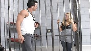 Comme ci milf lady-love a immutable load of shit in prison
