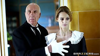 Brazzers - British pet Erica Fontes gets pounded