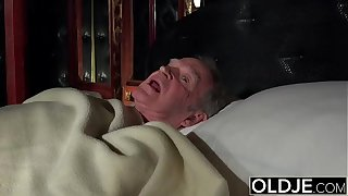 Grandfather fucks rub-down the hot sheila fingers their way young pussy added to gets blowjob