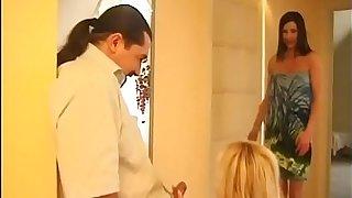 Affaire d'amour panhandler aspersive headman their way wife