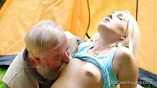 Elderly Goes Young - Comely morning disjointedly down gorgeous orgasms